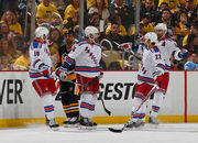 НХЛ. Рейнджерс сравнивают счет в серии. Матчи субботы