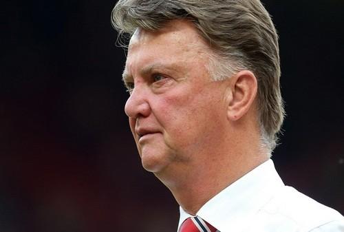 Луи ван Гал покинул пост главного тренера Манчестер Юнайтед
