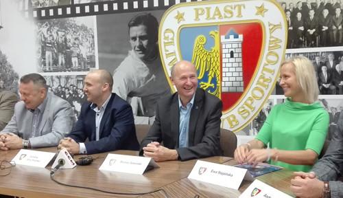 Да будет Пяст: футбольно-футзальная революция в Гливицах!