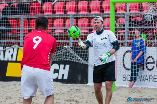 Виталий Рева дебютировал в пляжном футболе