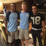 Зинченко сделал фото с Фернандиньо и Жадсоном