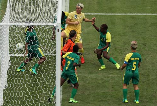 На Олимпиаде в Рио сыграли первый футбольный матч