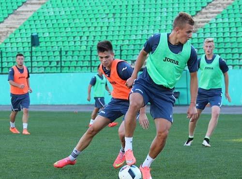 Олимпик провел тренировку во Львове