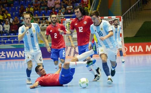 ЧМ-2016: Аргентина спасается в игре с Коста-Рикой и выходит на Украину