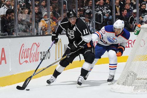 НХЛ. 500 очков Павелски, 700 игр Копитара. Матчи субботы