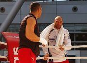 Кличко и Фьюри провели открытую тренировку