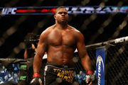 Бой с дос Сантосом станет последним для Оверима в UFC