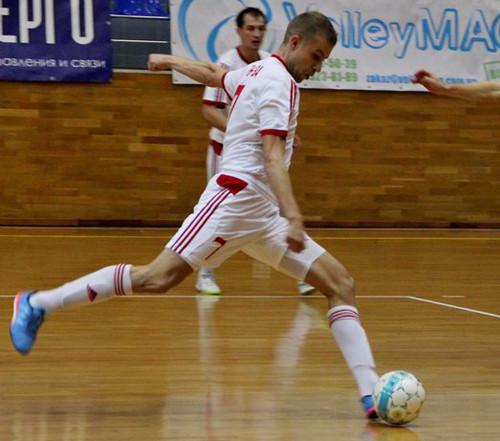 Локомотив продолжил победную серию разгромом Титана-Зари