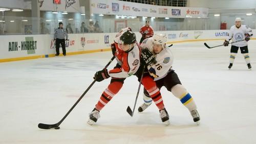 Витязь дает бой Донбассу, легкие победы Кременчуга и Дженера