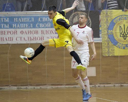 Новый год Локомотив начал уверенной победой