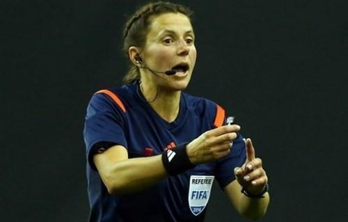 IFFHS: Екатерина Монзуль – лучшая женщина-арбитр в 2015 году