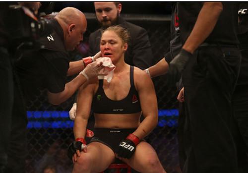 Ронда Роузи не вернется к UFC 200