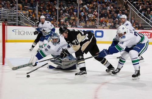 НХЛ.930 пасов Торнтона, 10-й хет-трик Малкина. Матчи субботы