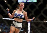 UFC. Миша Тейт отобрала чемпионский пояс у Холли Холм