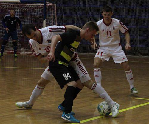 Локомотив разбил Приват и вышел в полуфинал чемпионата