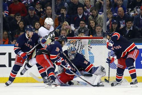 НХЛ. Питтсбург обыграл Рейнджерс в «курьезном» матче