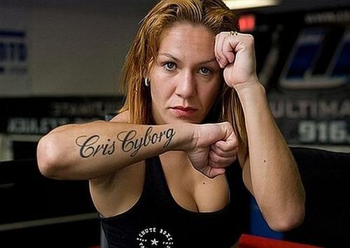 Кристиана Джустино выступит на шоу UFC 198