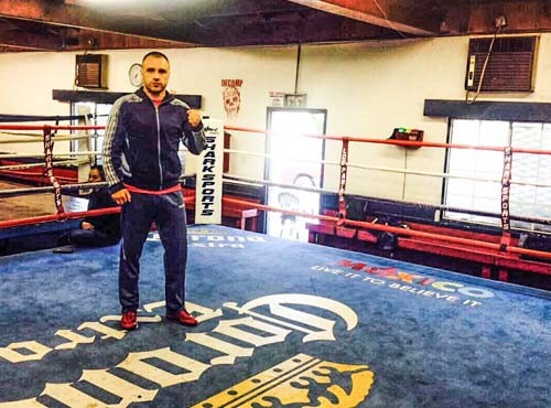 Макс Бурсак продолжает подготовку к бою с Рамиресом в США