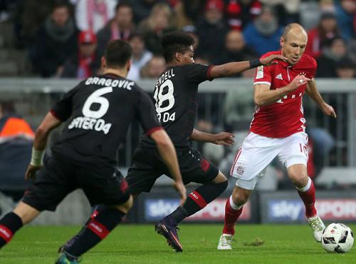 Бавария в большинстве не сумела обыграть Байер