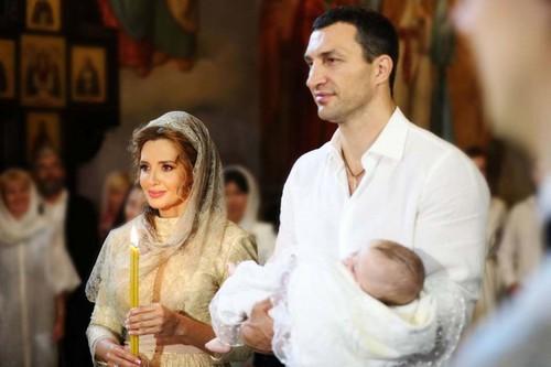 Владимир Кличко и жена Медведчука крестили дочь Нестора Шуфрича