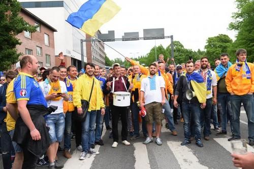 Украина победила в Финляндии — на стадионе отличились все 12 игроков