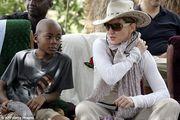 Мадонна переедет в Лиссабон, чтобы ее сын играл в Бенфике