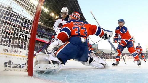 НХЛ. Эдмонтон громит Виннипег в «Классике наследия». Матчи воскресенья