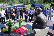 Перед вылетом в Швейцарию динамовцы почтили память Белькевича