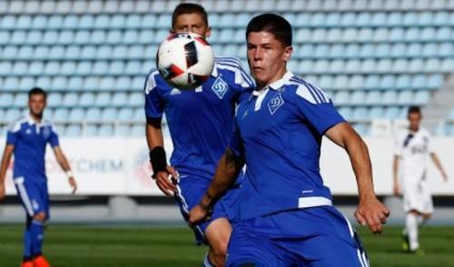 Защитник Динамо успешно прооперирован в Испании