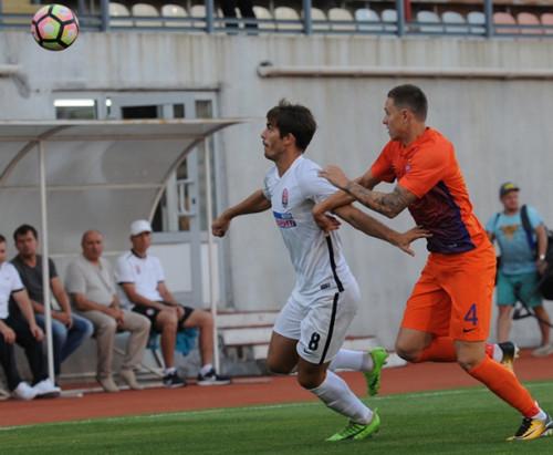 Праздник открытого футбола у Азовского моря: Заря разгромила Мариуполь