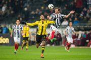 Айнтрахт побеждает Боруссию и догоняет Баварию в турнирной таблице