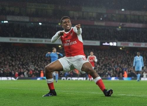 Арсенал победил Сток Сити, Суонси разбил Сандерленд