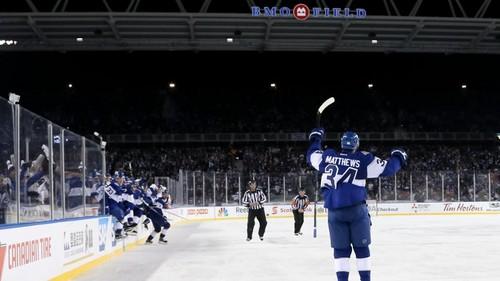 НХЛ. Торонто обыграл Детройт в Столетней классике. Матчи воскресенья