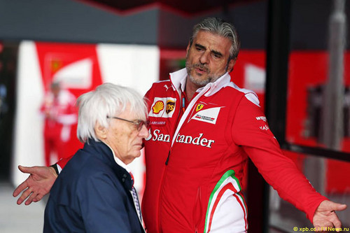 Берни Экклстоун критикует Ferrari