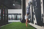 С ног на голову: учимся делать стойку на руках