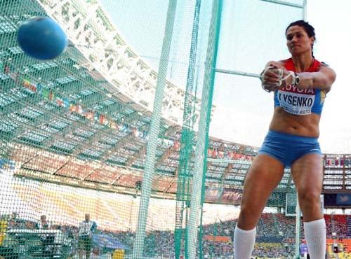 У российской метательницы молота отобрали золотую олимпийскую медаль