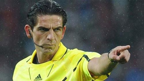 УЕФА принял решение не наказывать арбитра встречи Барселона - ПСЖ