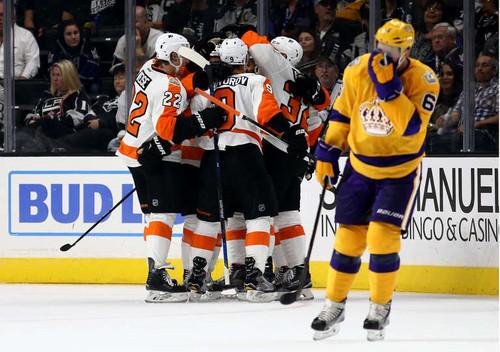 НХЛ. Лос-Анджелес проиграл второй раз кряду. Матчи пятницы