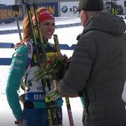 Коукалова отказалась пожать руку президенту IBU во время награждения
