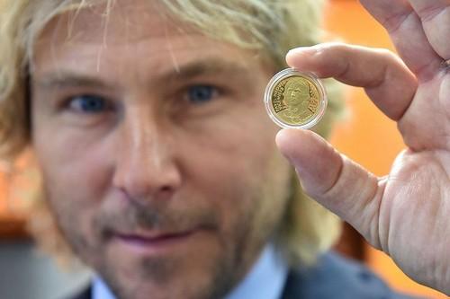 Павел Недвед появился на чешской монете