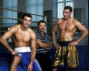 klitschko-brothers.com. Владимир Кличко, Владимир Золотарев и Виталий Кличко