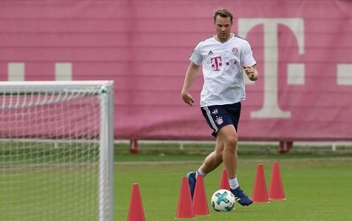 Нойер впервые за 7 месяцев вернулся к тренировкам Баварии