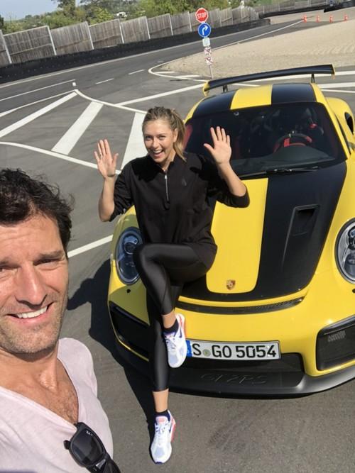 ФОТО ДНЯ. Шарапова прокатилась с Уэббером на Porsche