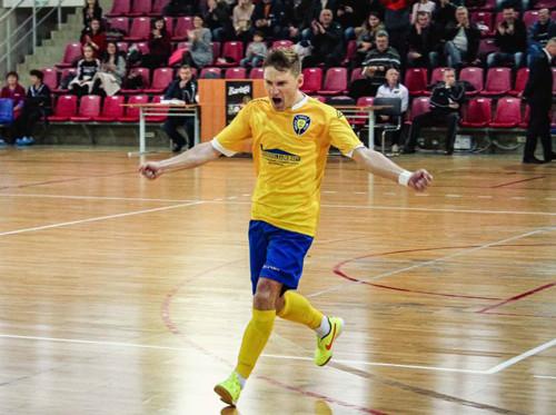 Украинский легионер клуба Экстракласы продлил контракт на два года