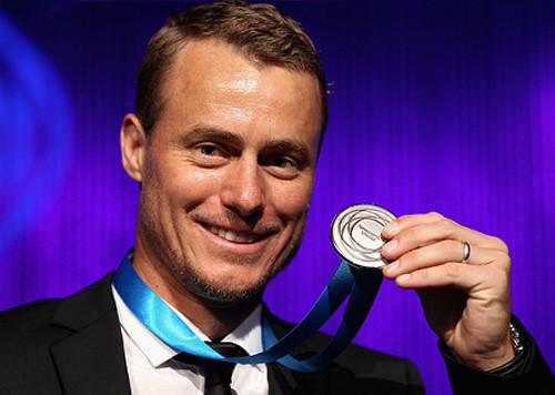 Экс-первая ракетка мира четвертый раз возобновляет карьеру