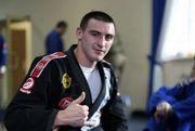 Александр Захожий выиграл четвертый бой на профи-ринге