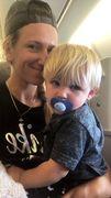 ФОТО ДНЯ. Азаренко впервые покинула США вместе с сыном