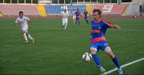 Черкасский Днепр выставил на трансфер всех футболистов