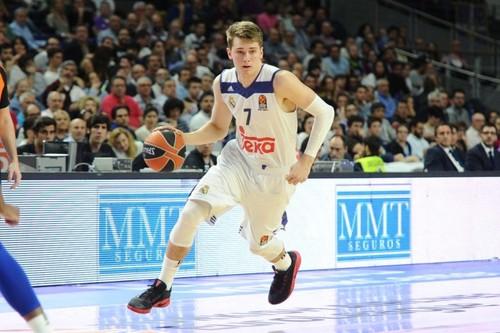 Лука Дончич второй год подряд - лучшая восходящая звезда Евролиги