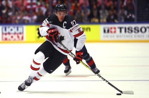 Игрок Канады о Макдэвиде: «Он с шайбой катится быстрее, чем без нее»